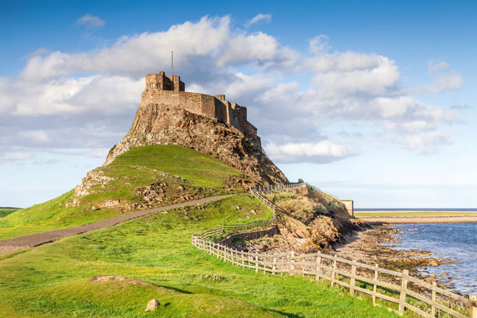 Britains-islands-lindisfarne-castle