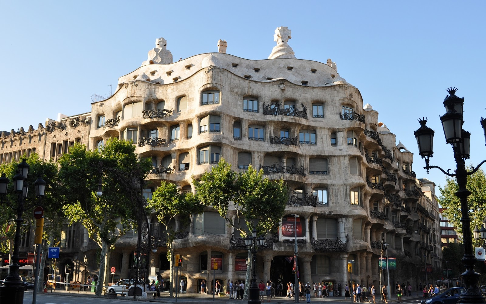 Series barcelona the city of tickled tastebuds and for Hotel gracia barcelona