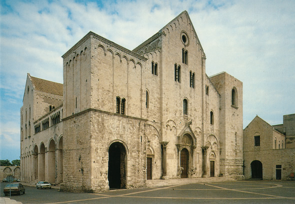 Look out for Basilica di San Nicola in Bari's Old Town. (Photographer: teens4unity; Flickr)